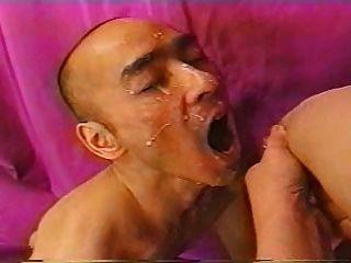 japanische Amateur Milf Laktation und Blowjob Cum