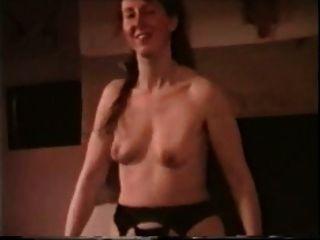 Mädchen mit Saggy Titten Streifen