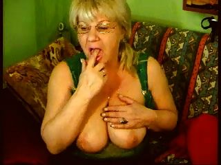 big titts granny in der webcam r20
