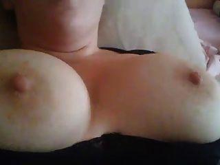 meine wifes große fucking tits, plz cum auf sie