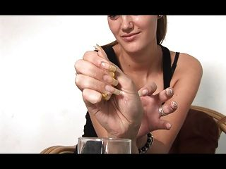 sexiest lange natürliche Nägel zeigen