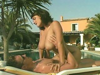 susie sorrento hat Sex am Pool