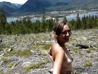 Mädchen wird Arsch gefickt in den Wald 1 von 2