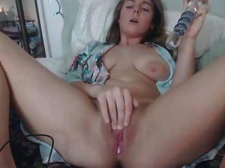 breite areolas ama masturbiert