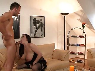 big boobs brunette fucking in schwarzen strümpfen