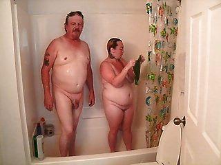 die Dusche mit nicht meinem Stiefvater im Gesetz