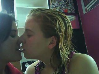 sperma küsse von einer lesbe verführt