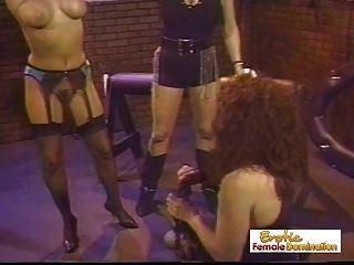 neugierige Mägde werden Sklaven für neugierig