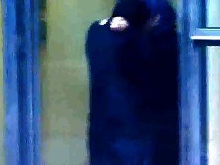 Hijabi Muslim Mädchen Sex mit Kafir Mann in der offenen