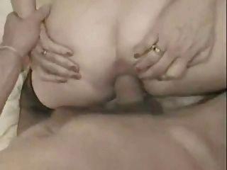 französische Oma nehmen einen großen Schwanz in ihren Arsch und facialized