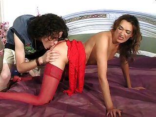 sexy milf im roten kleid