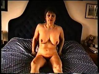 reife Mama mit schlaffen Titten \u0026 behaarte Fotze