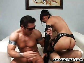 Amateur Freundin Dreier mit Sperma im Mund
