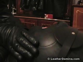 die Leder Domina Leder Fetisch gesamte Leder Bondage