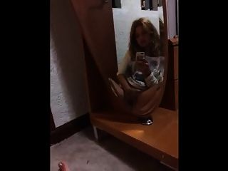 Mädchen Spiegel masturbieren