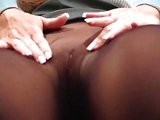 schwarze Strumpfhose necken