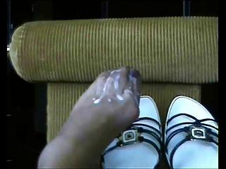 cum alle auf meine Füße !!!