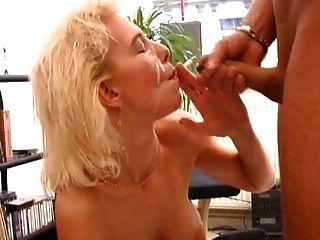 Rauchen blonde Sex