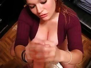 Niedliche Big Tit-Freundin