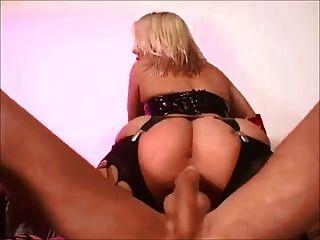 böse blonde missy