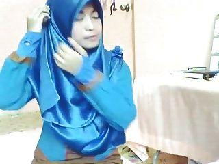Satin Hijab 1