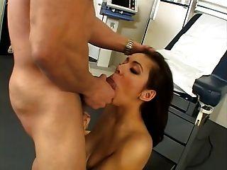 Sekretärin fucking bei der Ärzte Büro