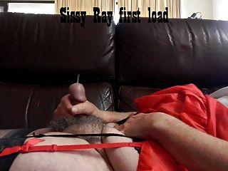 Sissy Ray schießt eine Last von Sperma wieder (7 Schüsse)