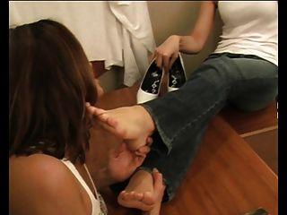 Fuß Schlampe Mädchen Füße verehrt