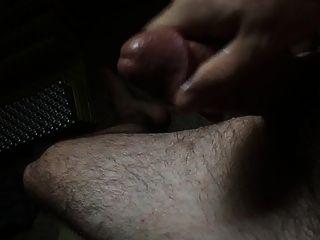 Cumming auf meinem Bein
