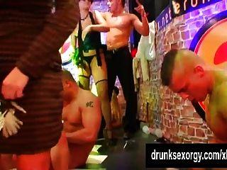 sexy Pornostars im Club ficken