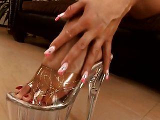 schöne Zehen Füße Fersen und Maultiere
