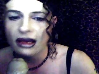 sissy maid sindi rauchen \u0026 saugen 1