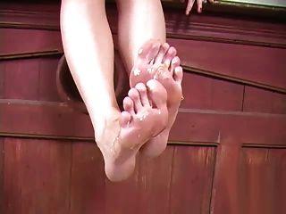 Ashley feuert Honig Fuß lecken
