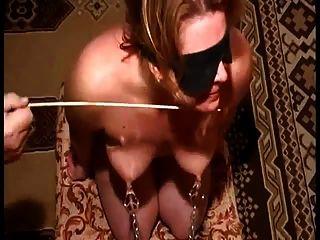 Titten und Brustwarzen Folter