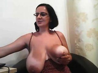 Bilder von grossen brustwarzen