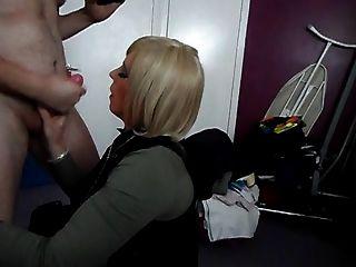 roter Lippenstift auf seinem Schwanz Teil 2
