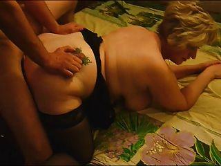 Freund fickt reife fette Frau vor ihrem Cuckold Ehemann