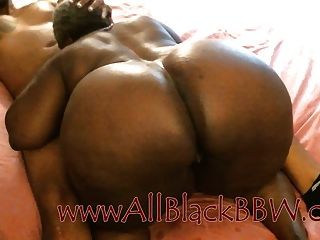big booty black granny bekommt creampie !!!