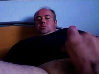 sexy Daddy mit einem schönen Sperma
