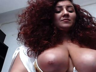lockige rote Haare riesige Titten