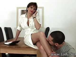 Lady Sonia wird von Ehemännern gefickt