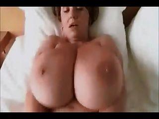 reife womans schöne große boobs tragen tweed