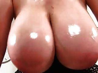 große ölige veiny tits