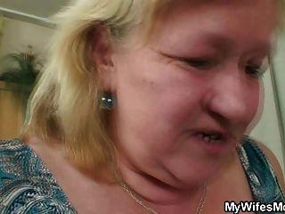 Junge fickt riesige alte nicht Schwiegermutter