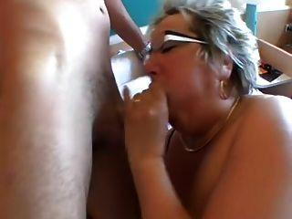 big tit oma geht anal