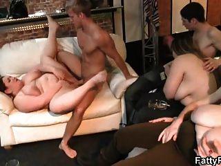 fucking und Fisting ihre fette Pussy