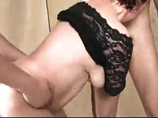 2 reift mit großen schlaffen boobs in gangbang