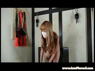 Ich bin durchbohrt japanischen Teenie-Idol mit durchbohrten Brustwarzen rasiert