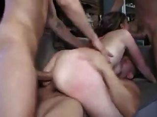 3 Jungs 1 Mädchen mit Triple Penetration !!!