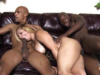 reife bbw Mutter fickt zwei junge Schwarze